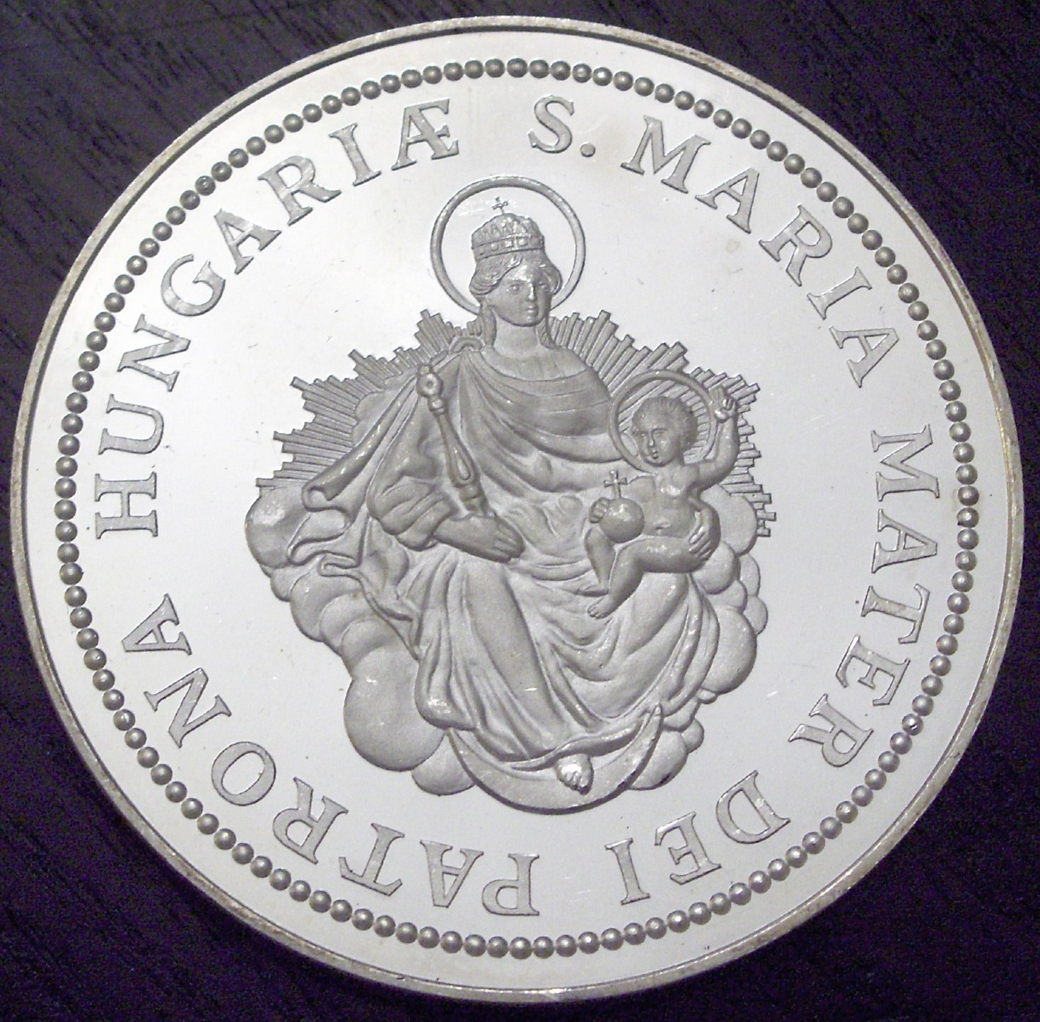 Hungary 1986 5 Uncia Madonna front