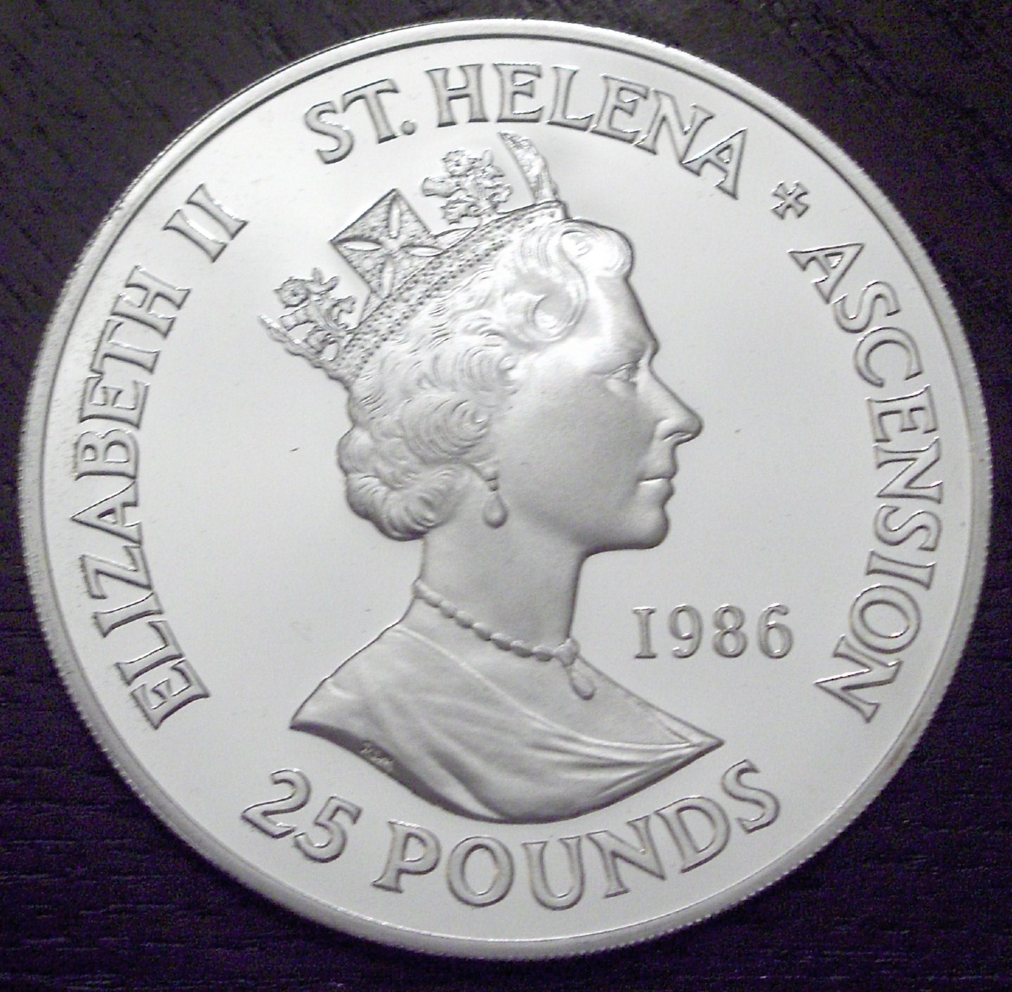 St. Helena 1986 25 Pounds back